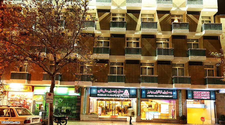Ali Qapu Hotel Isfahan Night
