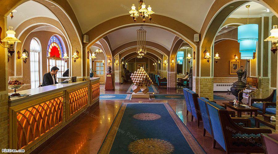 Dad Hotel Yazd Lobby