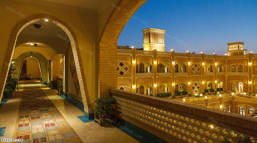Dad Hotel Yazd Night 2
