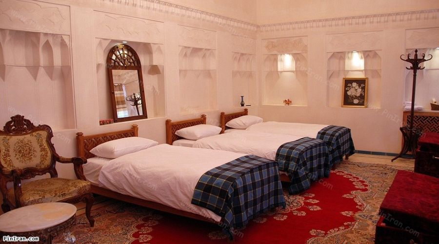 Mahinestan Raheb Hotel Kashan Room Triple