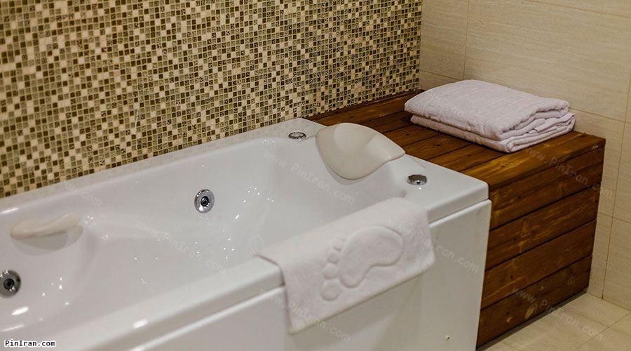 Parsian Kowsar Hotel Isfahan Room Bath