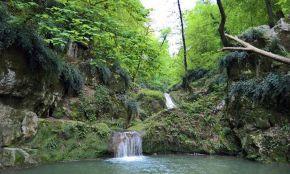Lowe Waterfall