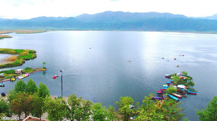 Zarivar Lake 1